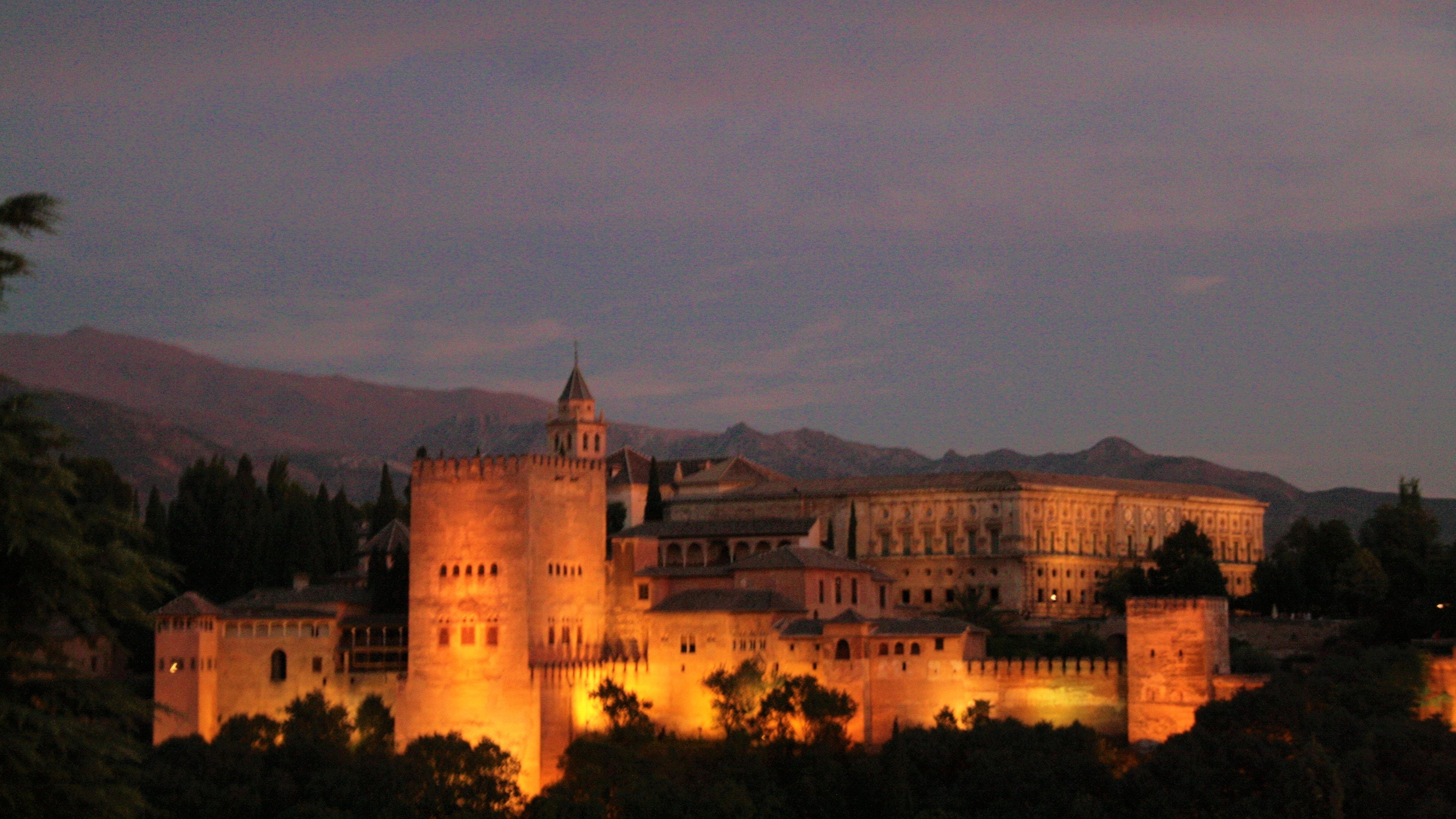 Rich results on google SERP when seaching for wandelreis Spanje