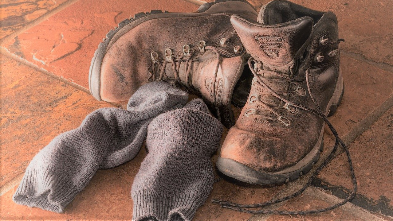 Rich results on google SERP when searching for je-nieuwe wandelschoenen-inlopen